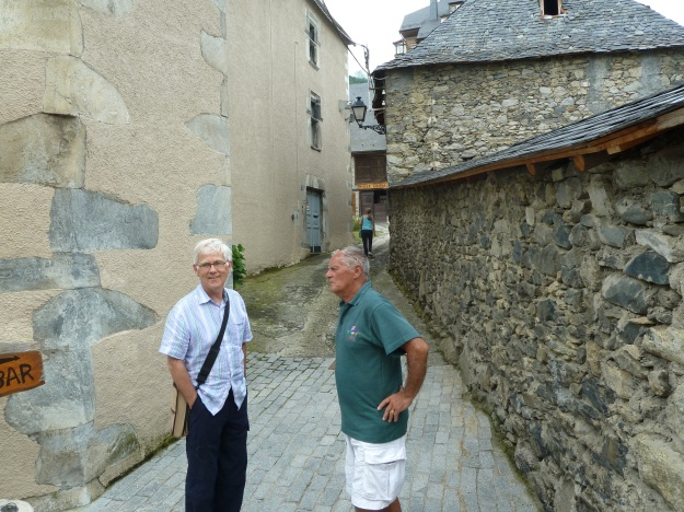 We weren`t going to go into this alleyway until Bob spotted the fascinating sign!