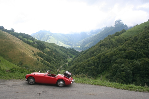 Roger Martins beautiful 1500 enhancing the view on the Col de Houretate at almost 3700 ft